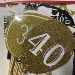 Photo props 40th gold and black